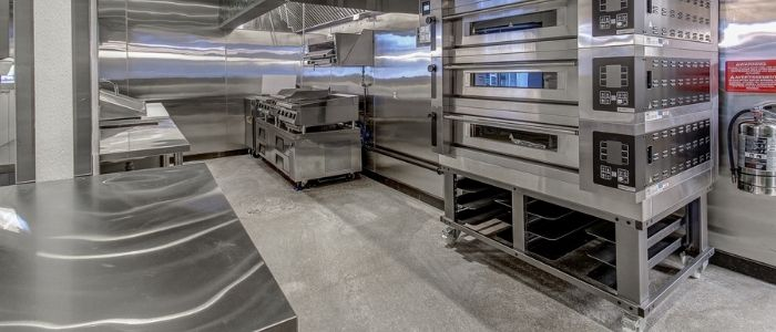 Commercial kitchen cleaning at a restaurant